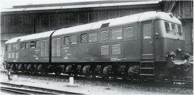 Diesel-Doppellokomotive D311.01 a/b <br/>Märklin 055285