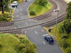 Bahnschranken mit Andreaskreuzen <br/>NOCH 14307