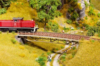 Brücken-Fahrbahn, gerade <br/>NOCH 67024