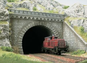 Tunnel-Portal <br/>BUSCH 7023