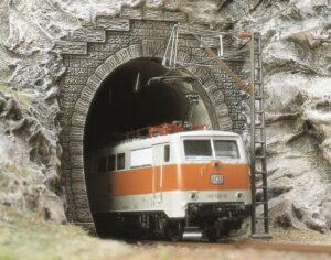 Tunnel-Portale, E-Lok, 2 Stück <br/>BUSCH 7026