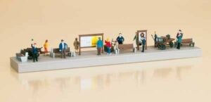 Bahnsteigausstattung mit Figuren  <br/>Auhagen 11339