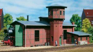Lokschuppen, mit Wasserturm <br/>Auhagen 11400
