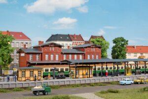 Bahnhofsausstattung <br/>Auhagen 11452