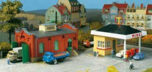 Tankstelle mit Kfz-Werkstatt  <br/>Auhagen 12227
