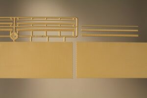 Ziegelmauern mit Zahnfriesvarianten gelb <br/>Auhagen 41207