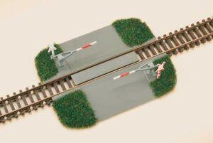 Bahnübergang, Halbschranke <br/>Auhagen 43645