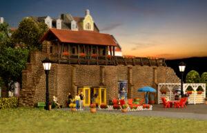 kibri 38916 <br/>Stadtmauer mit Kleingarten