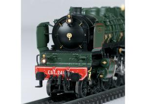 Märklin 39243 <br/>Schnellzug-Dampflokomotive Serie 13 EST