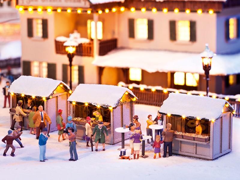 NOCH 12026 <br/>Auf dem Weihnachtsmarkt