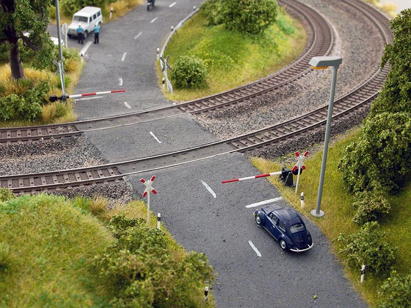 NOCH 14307 <br/>Bahnschranken mit Andreaskreuzen