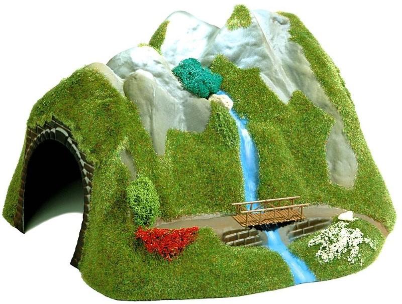BUSCH 3007 <br/>Tunnel mit Wasserfall