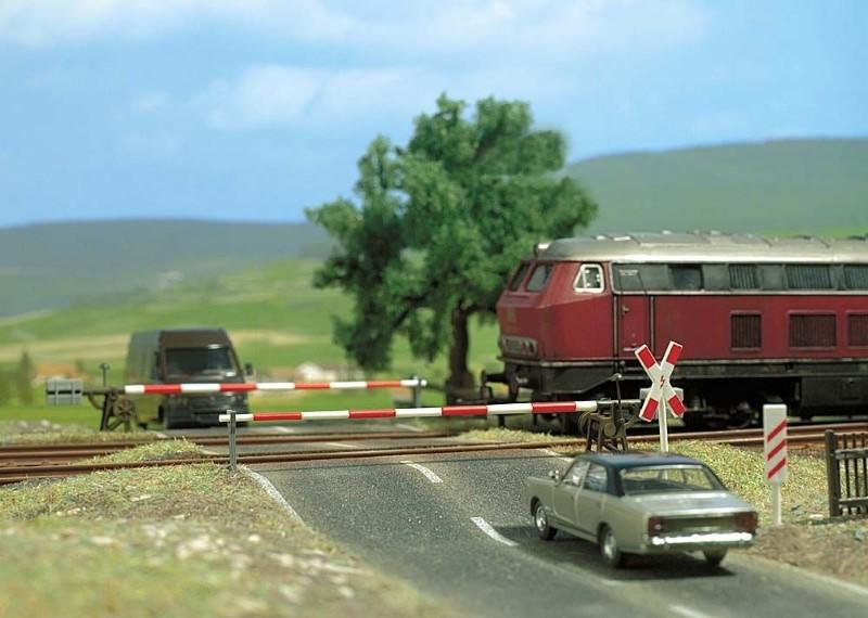 BUSCH 6021 <br/>Bahnübergang