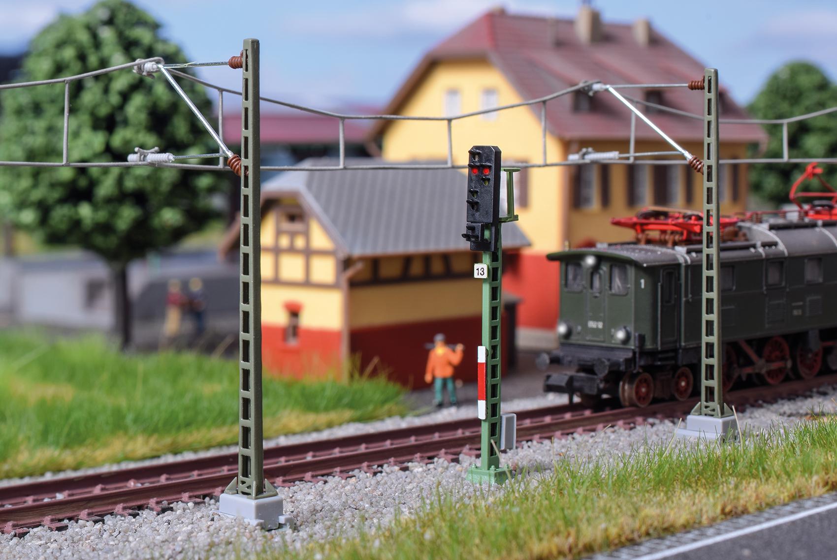 Viessmann 4413 <br/>Licht-Ausfahrsignal (DB 1969)