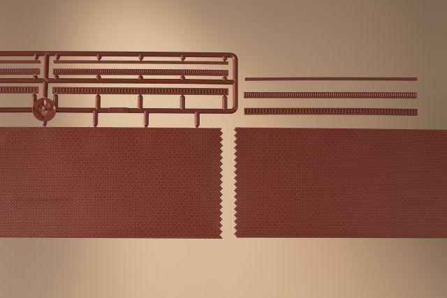 Auhagen 43658 <br/>Ziegelmauern mit Zahnfriesvarianten