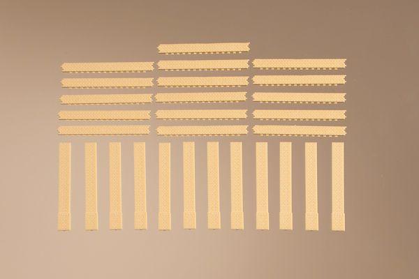 Auhagen 80411 <br/>Säulen kurz und Ziegelfriese gelb 1